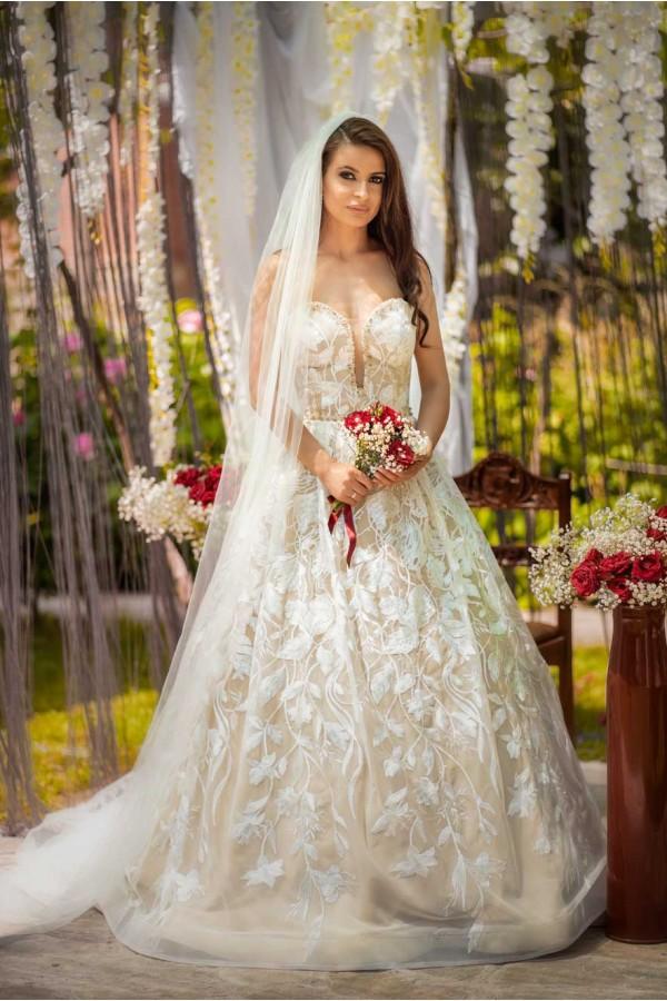 Дизайнерска рокля Ансел, подходяща за абитуренти, сватби и булки.