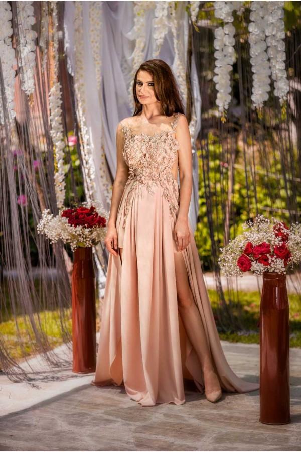 Дизайнерска елегантна абитуриентса рокля Лизандра, подходяща за абитуренти, сватби и булки.