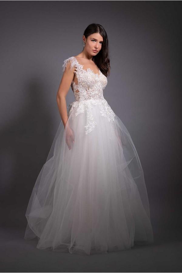 Дизайнерска рокля Angel wings, подходяща за абитурентки, сватби и булки.