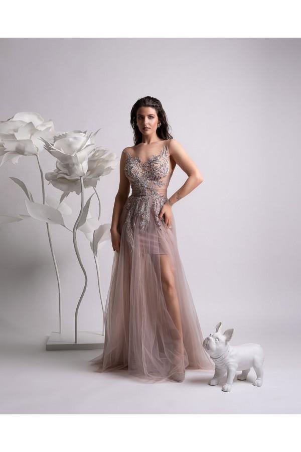 Дизайнерска елегантна абитуриентска рокля Биа, подходяща за абитуренти, сватби и булки.