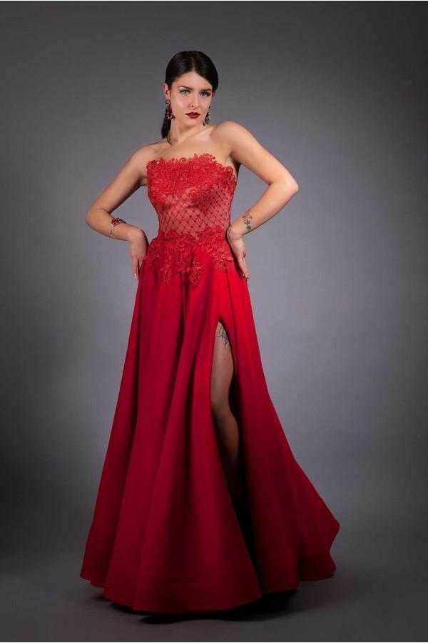 Дизайнерска елегантна абитуриентска рокля Cold red fire, подходяща за абитурентски бал, сватба, аабсолвентски бал,кръщенета, рождени дни.