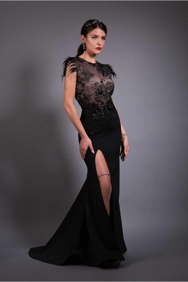 Дизайнерска елегантна абитуриентса рокля Dark in my soul, подходяща за абитуренти, сватби и булки.