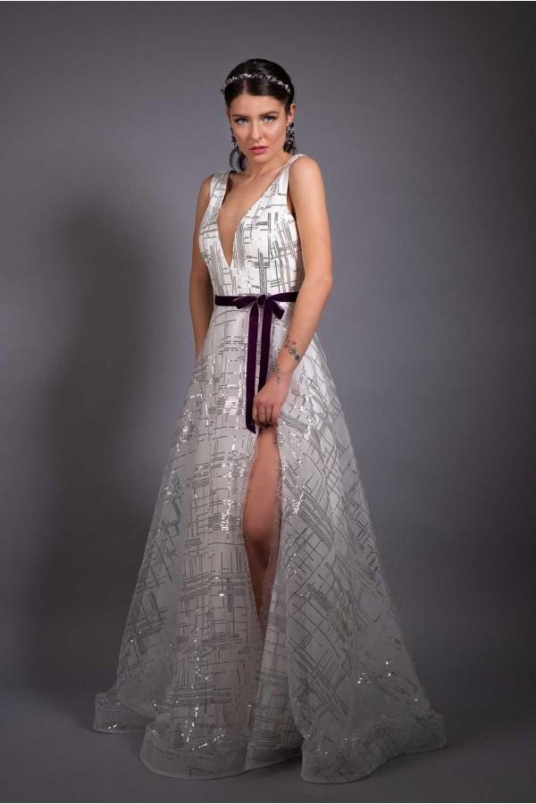 Дизайнерска елегантна абитуриентска рокля Embers of life, подходяща за абитуренти, сватби и булки.