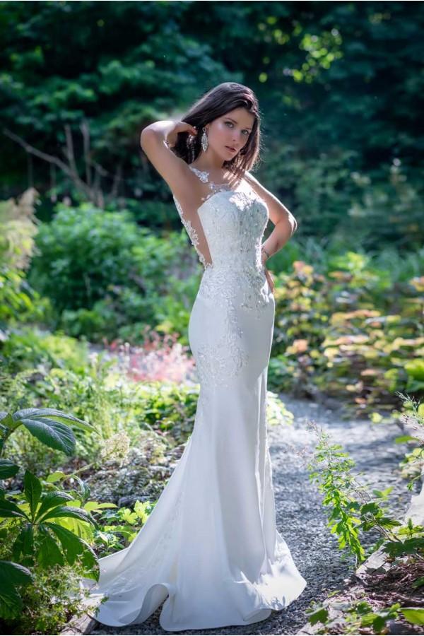 Дизайнерска рокля Ивана, подходяща за абитуренти, сватби и булки.