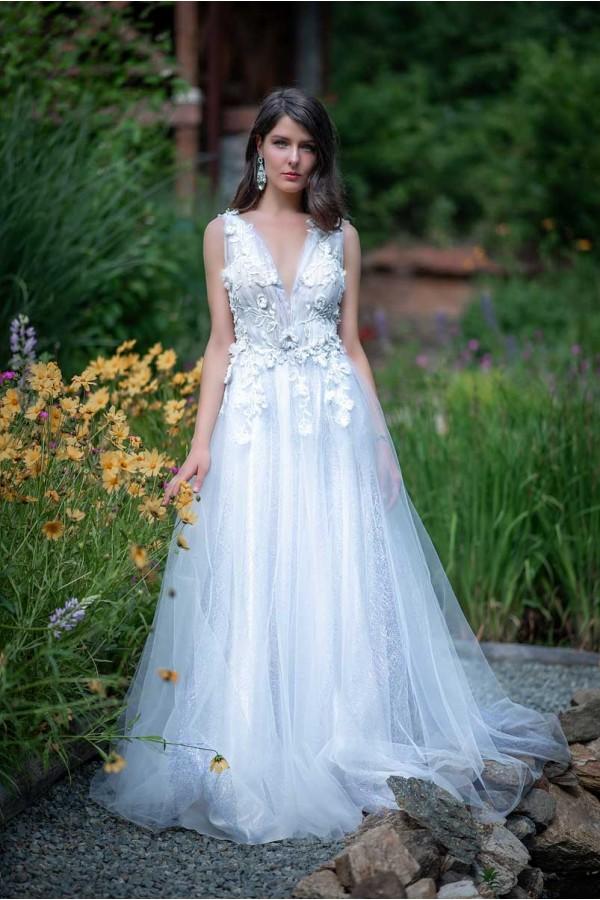 Дизайнерска рокля Ивайла, подходяща за абитуренти, сватби и булки.
