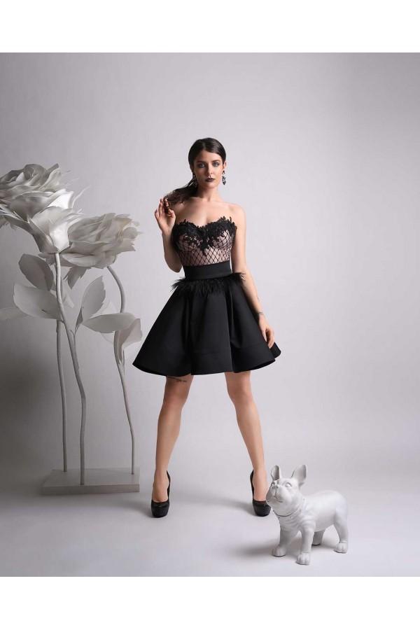 Дизайнерска пола Мануела, с широк колан и твърда лента по края