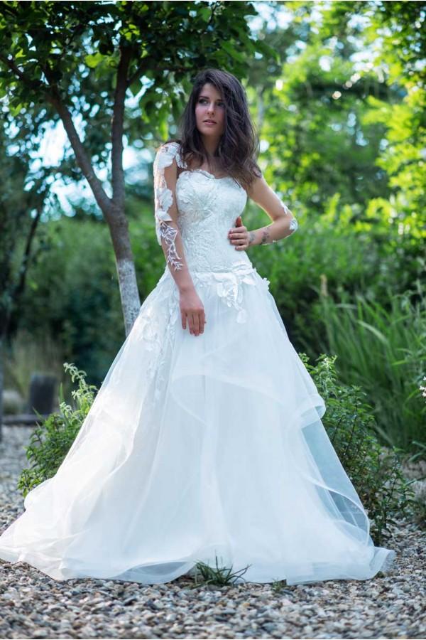 Дизайнерска рокля Виктория, подходяща за абитуренти, сватби и булки.